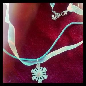 Jewelry - snowflafe necklace